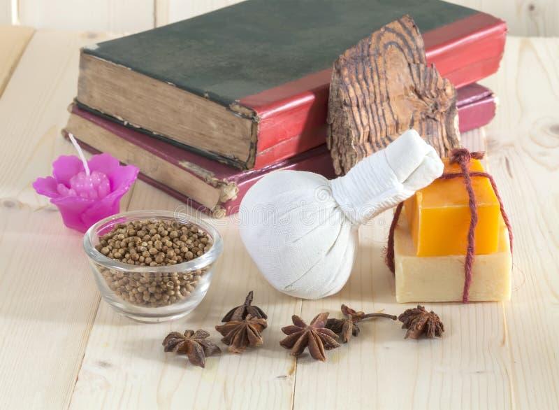 Download Ziołowy Balowy Zdrój I Wellness Obraz Stock - Obraz złożonej z sól, piękno: 53782769