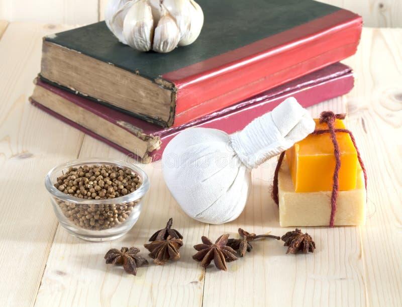 Download Ziołowy Balowy Zdrój I Wellness Zdjęcie Stock - Obraz złożonej z aromatyczny, masaż: 53782784