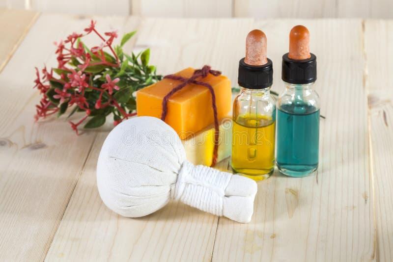 Download Ziołowy Balowy Zdrój I Wellness Obraz Stock - Obraz złożonej z kwiat, medycyna: 53783409