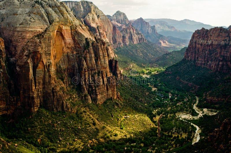 Zion Canyon como visto dos anjos que aterram em Zion National Park fotos de stock