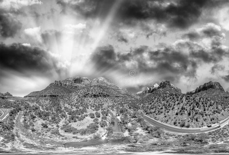 Zion National Park panorama- flyg- sikt på solnedgången, Utah fotografering för bildbyråer