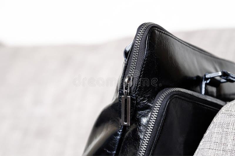 Zip della borsa di cuoio immagini stock