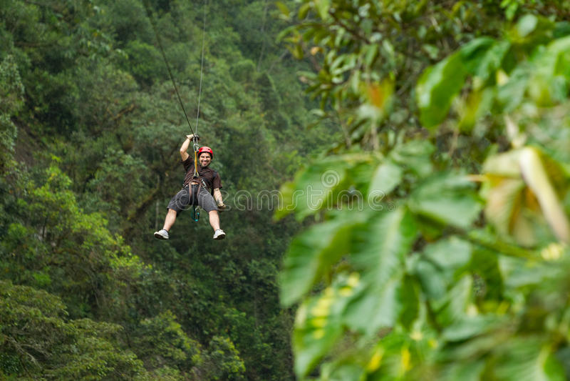 Ziplinie Abenteuer lizenzfreie stockfotografie