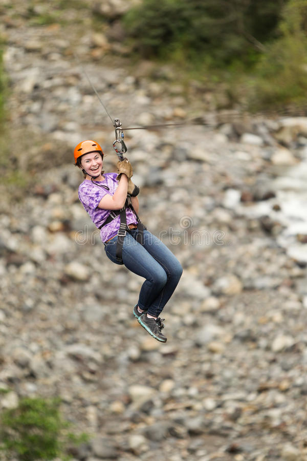 Ziplinie Abenteuer stockbild