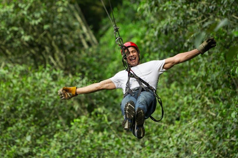 Ziplinie Abenteuer stockbilder