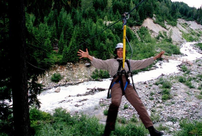 Ziplining, montagne de siffleur photo stock