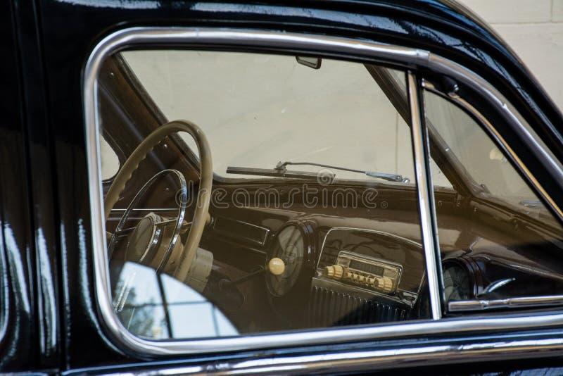 ZIS 110, coche retro de URSS fotos de archivo