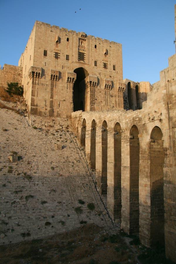 Zitadelle von Aleppo_Syria lizenzfreie stockfotos