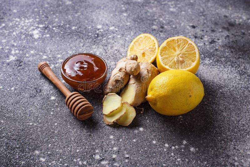 Zitrone, Ingwer und Honig Natürliche Husten- und Grippeabhilfen lizenzfreie stockbilder