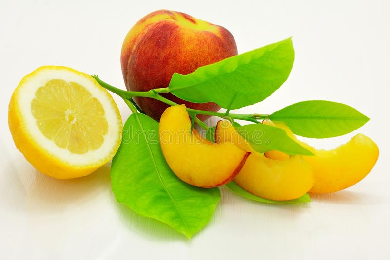 Zitrone und Pfirsich lizenzfreies stockfoto
