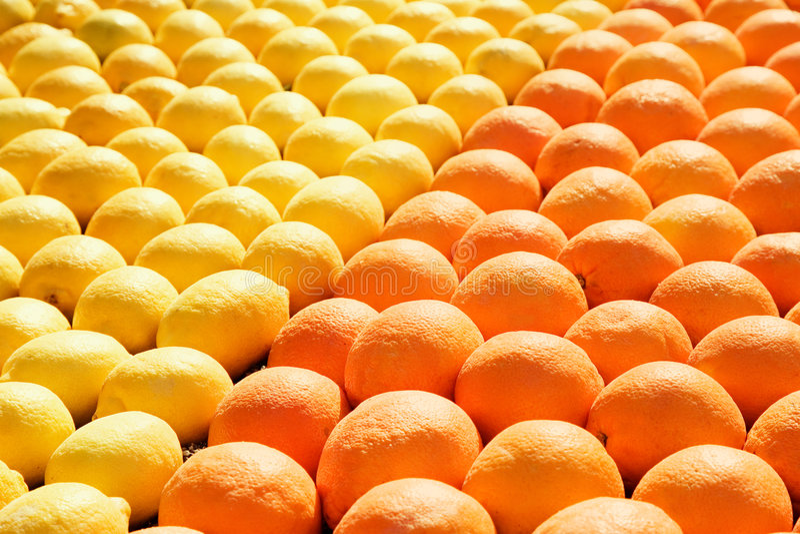 Zitronen und Orangen stockfotos