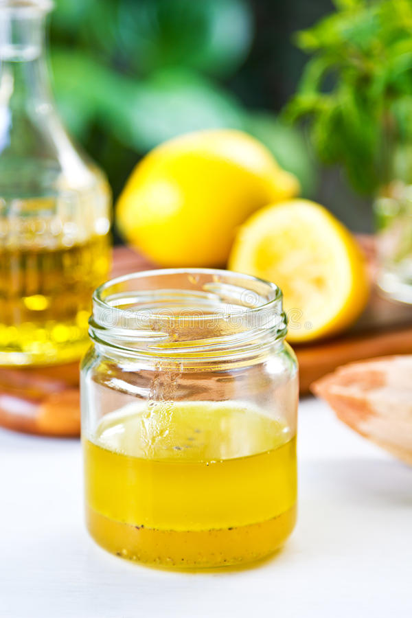 Zitronenbehandlung stockfotos
