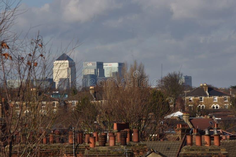 Zitronengelbe Kaigebäude in London stockbild