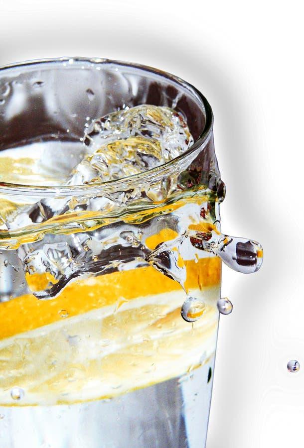 Zitronengelbes Wodkagetränk lizenzfreie stockfotografie