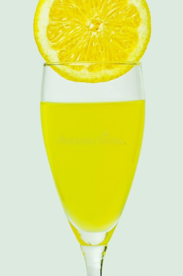 Zitronensaft lizenzfreie stockbilder