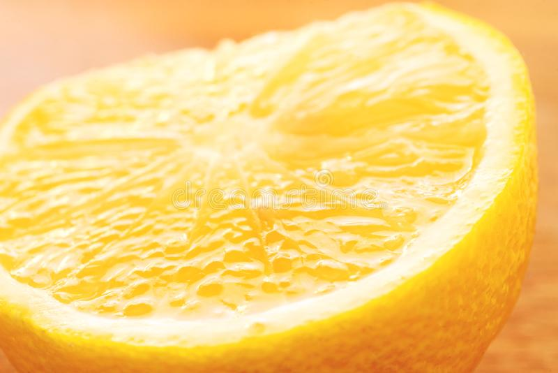 Zitronenscheibennahaufnahme, Makro, Zitronenbeschaffenheit stockfoto