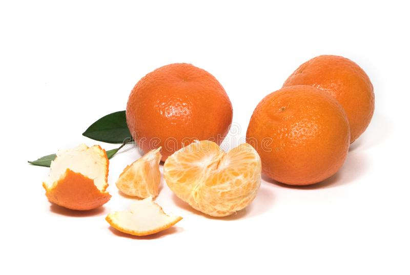 Zitrusfrüchte, Tangerinen, Mandarinenscheiben, zogen Mandarine ab lizenzfreie stockbilder