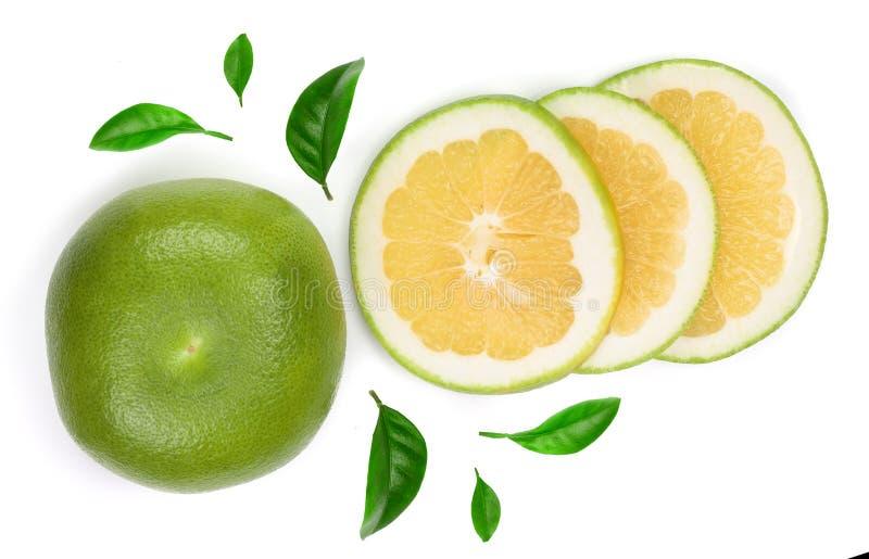 Zitrusfrucht Herzchen oder Pomelit, oroblanco mit Scheiben und Blatt lokalisiert auf weißer Hintergrundnahaufnahme Beschneidungsp stockbild