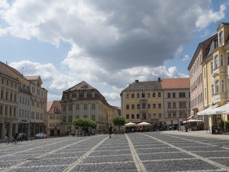 Zittau, Saxony, Niemcy, Lipiec 11, 2019: Stary targowy kwadrat Zittau Historyczny stary grodzki lato słoneczny dzień, niebieskie  fotografia royalty free