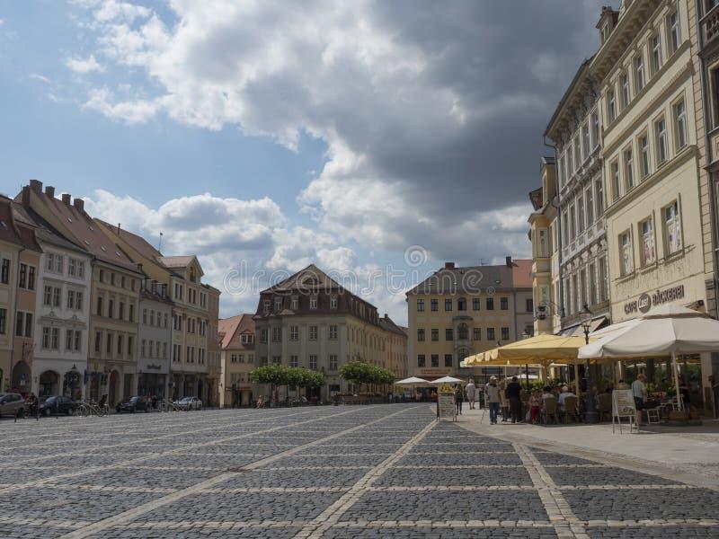 Zittau, Saxony, Niemcy, Lipiec 11, 2019: Stary targowy kwadrat Zittau Historyczny stary grodzki lato słoneczny dzień, niebieskie  zdjęcia stock