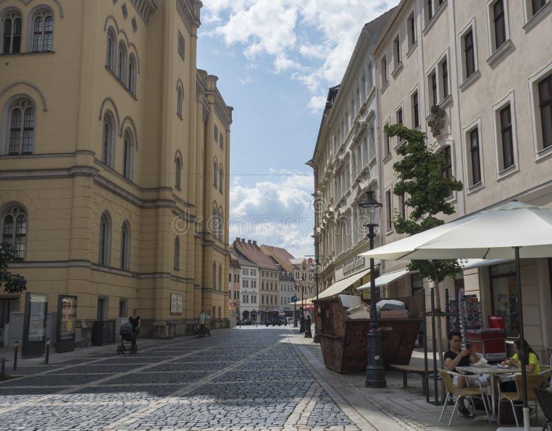 Zittau, Saxony, Niemcy, Lipiec 11, 2019: Urząd miasta przy starym targowym kwadratem Zittau Historyczny stary grodzki lato słonec zdjęcie royalty free