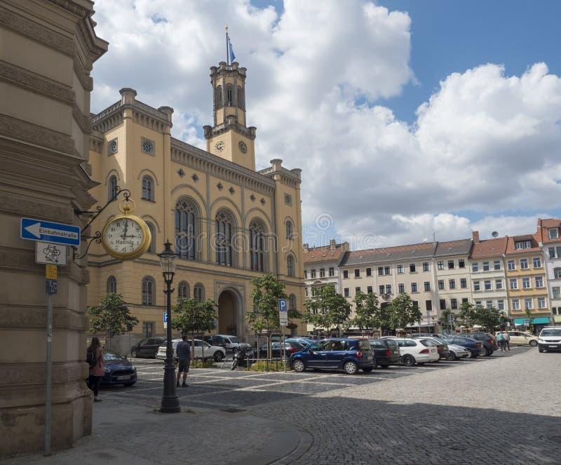 Zittau, Saxony, Niemcy, Lipiec 11, 2019: Urząd miasta przy starym targowym kwadratem Zittau Historyczny stary grodzki lato słonec zdjęcia royalty free