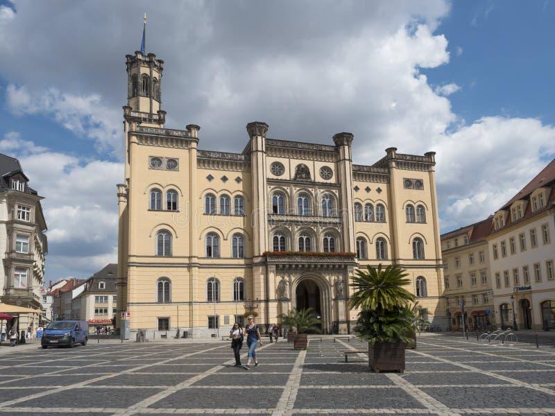 Zittau, Saxony, Niemcy, Lipiec 11, 2019: Urząd miasta przy starym targowym kwadratem Zittau Historyczny stary grodzki lato słonec zdjęcia stock