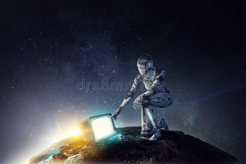 Zitting van de Cyborg de zilveren vrouw op ??n knie en het glimlachen royalty-vrije illustratie
