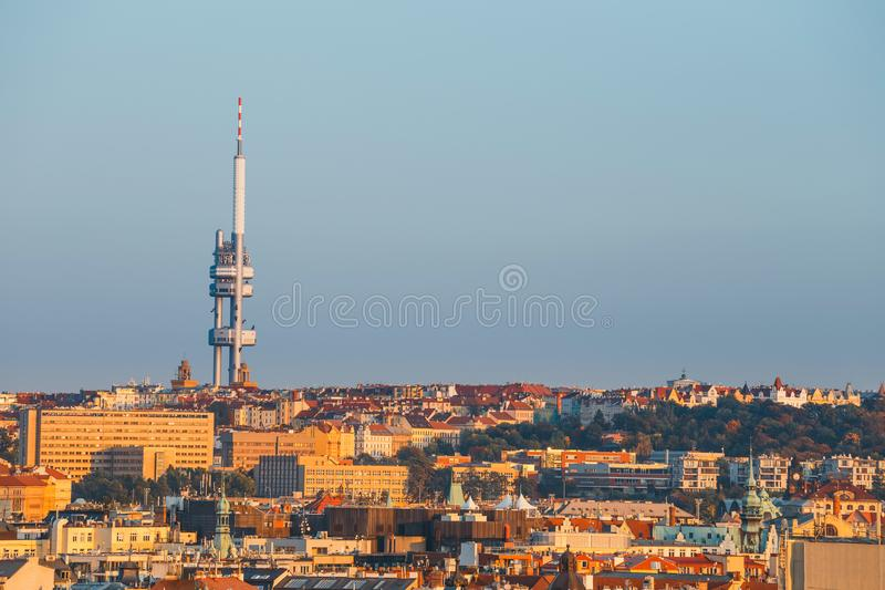 Zizkov Fernsehen-Kontrollturm in Prag lizenzfreies stockbild