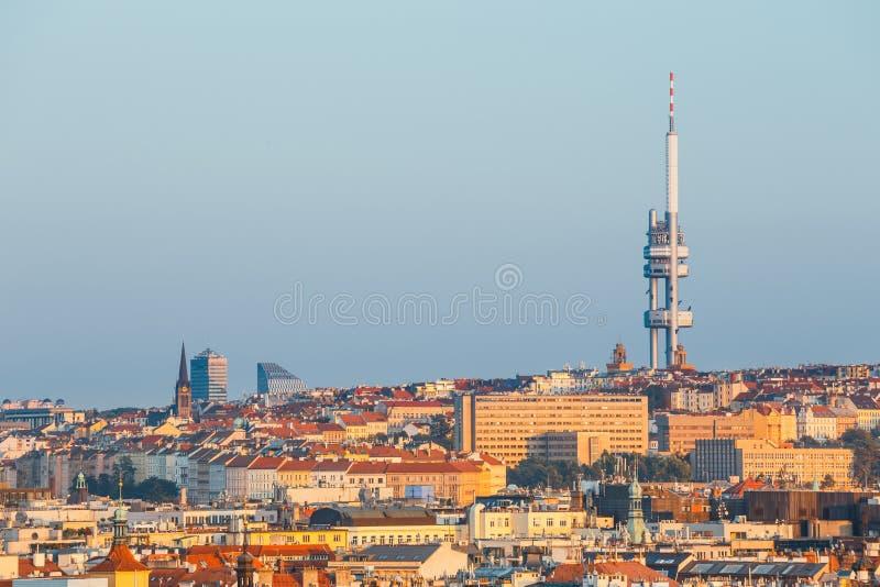 Zizkov Fernsehen-Kontrollturm in Prag stockbild