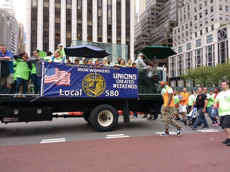 Zjednoczenia Tworzący weekendy, pracownik prawicy, ślusarzi, Miasto Nowy Jork święta pracy parada, NYC, NY, usa zdjęcie stock