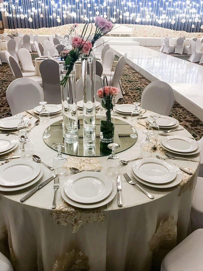 Zlane Arabskie emirat damy poślubia przygotowania obrazy royalty free