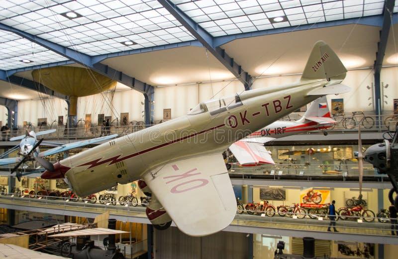 Zlin XIII, registrering OK-TBZ, nationellt tekniskt museum, Prague, Tjeckien royaltyfria foton