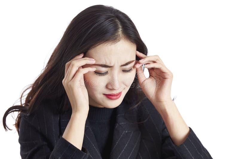 Zmęczona Azjatycka biznesowa kobieta zdjęcia royalty free