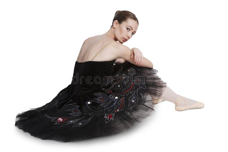 Zmęczona balerina po występu odizolowywającego na białym tle zdjęcie royalty free