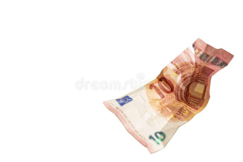 Zmięta euro notatka odizolowywająca na białym tle zdjęcia stock