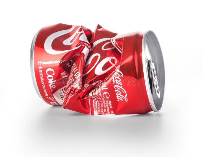 Zmięte koka-kola puszki zdjęcia stock