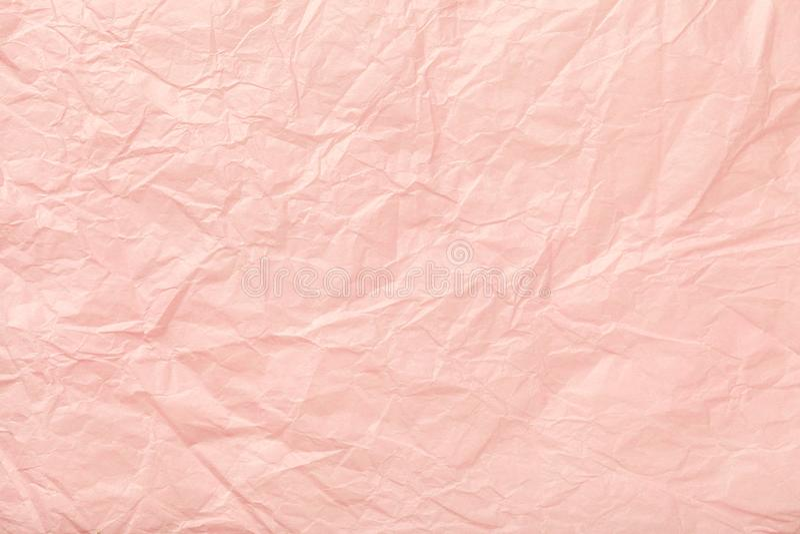 Zmięty różowy opakunkowy papier, closrup obraz royalty free