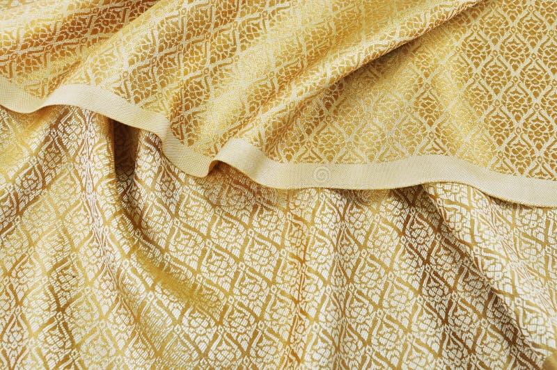 Download Zmięta Tajlandzka Jedwabnicza Tkanina Zdjęcie Stock - Obraz złożonej z tkanina, tajlandia: 42525356