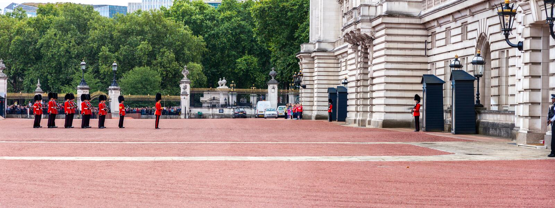 Zmiana strażnik w buckingham palace obrazy stock