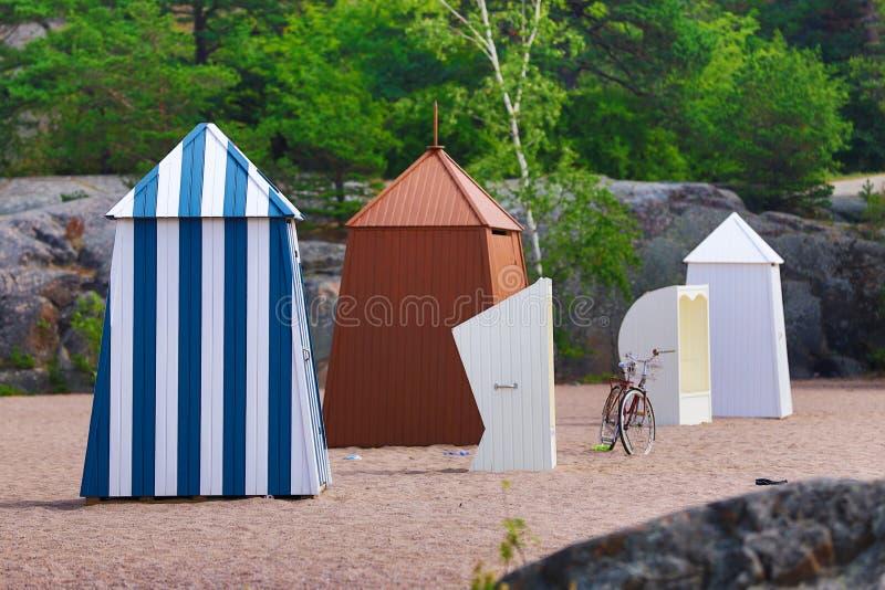 Zmieniać odzieżowe kabiny w Hanko, południowy Finlandia fotografia royalty free