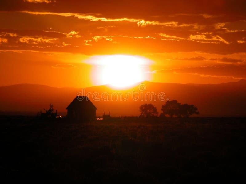 Download Zmierzch obraz stock. Obraz złożonej z farmland, słońce - 25321