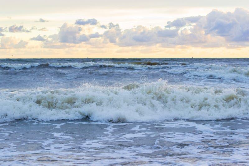 Zmierzch baltic piękny calmness morza zmierzch Złocisty denny zmierzch Obrazka morza zmierzch obraz stock