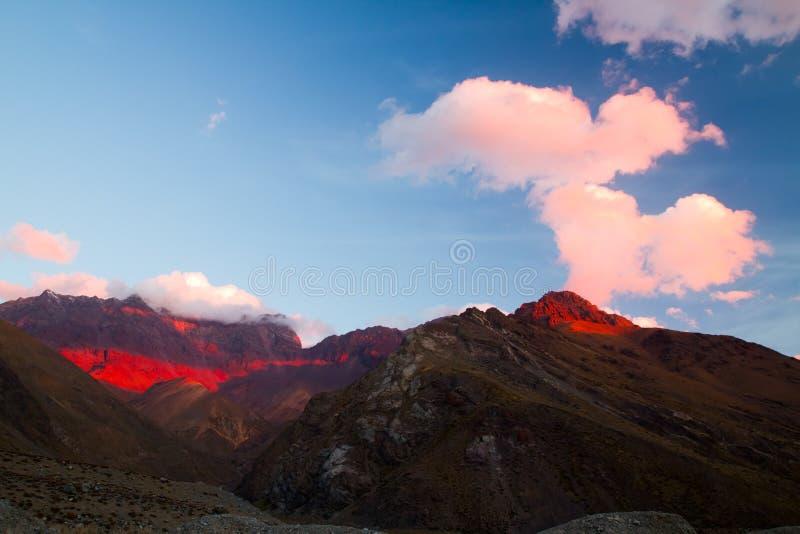 Zmierzch Cajon Del Maipo, Chile zdjęcia stock