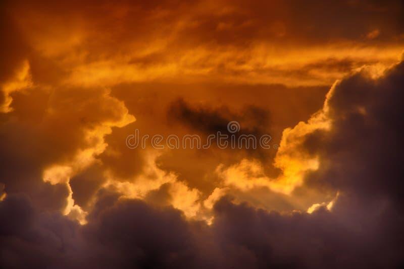 Zmierzch chmurnieje nad Cornwall, Zjednoczone Królestwo zdjęcie stock