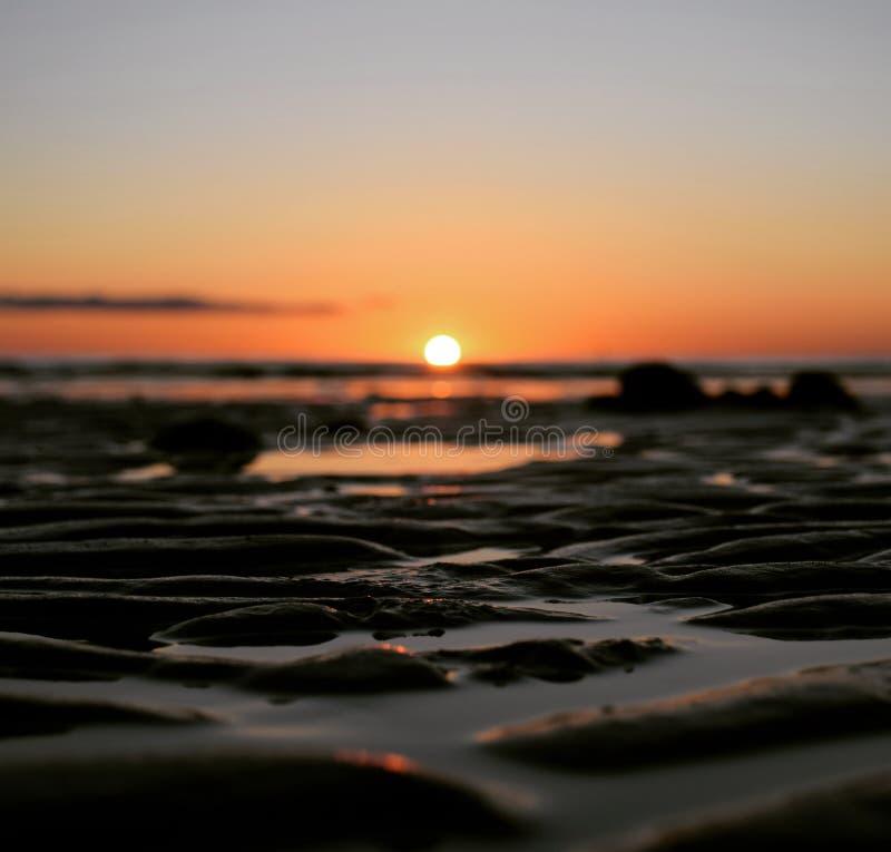 Zmierzch i plaża obrazy stock