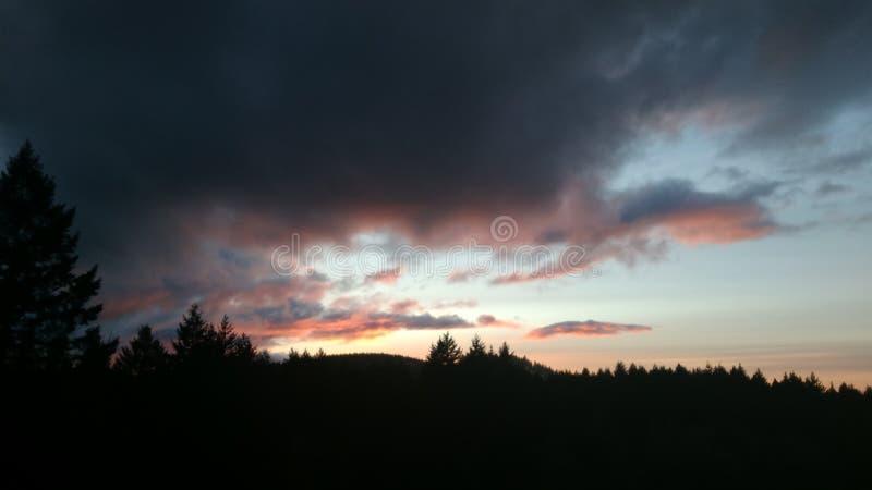 Zmierzch na chmury obrazy stock