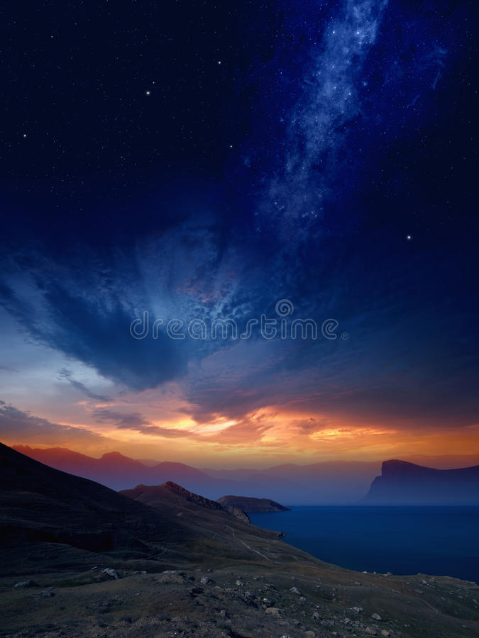 Zmierzch na górach zdjęcie royalty free