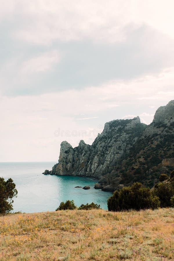 Zmierzch na górze blisko czarnego morza Wierzchołek skalista góra zdjęcia royalty free