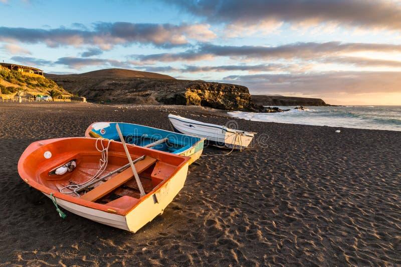Zmierzch Na plaży, Fuerteventura, wyspy kanaryjska, Hiszpania obrazy stock
